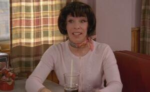 S06E11-Madge