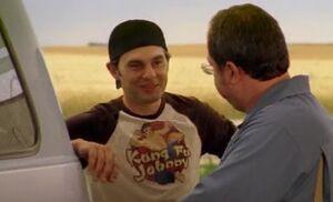 S04E11-Hank tshirt