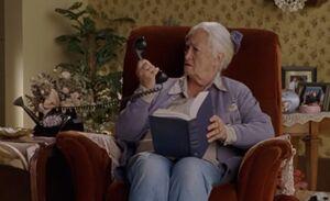 S03E01-Mertyl phone