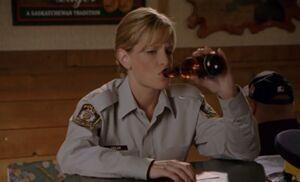 S03E03-Karen drinks