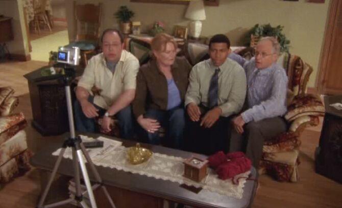 S05E08-Family photo