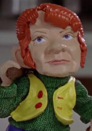 S03E09-Emma gnome long
