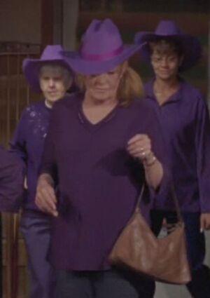 S05E16-Emma Lacey dancing long