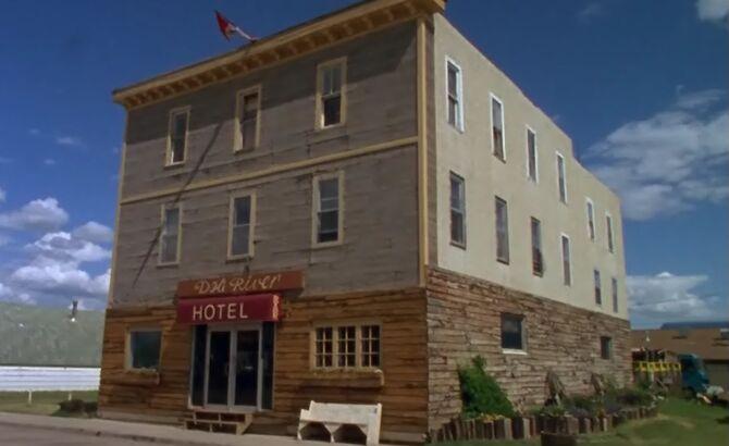S01E09-Hotel