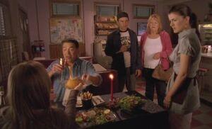 S04E13-Romantic dinner