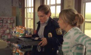 S05E08-Karen breaks drawer