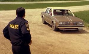 S04E01-Loud car