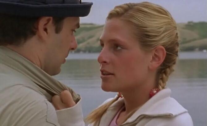S01E11-Karen kisses Hank