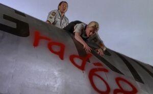 S01E05-Davis Karen tower