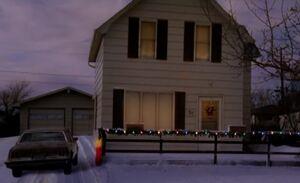 S03E13-Leroy house winter