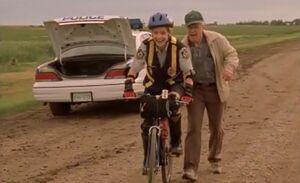 S02E16-Oscar Karen bike