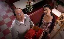 S03E13-Brent Lacey mistletoe