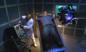 S04E17-Brent laser Bond