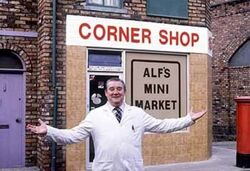 Corner shop alf 1980s
