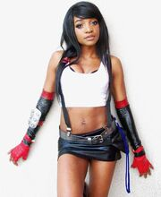 Kay-bear-tifa-lockhart-final-fantasy-cosplay-standing-up