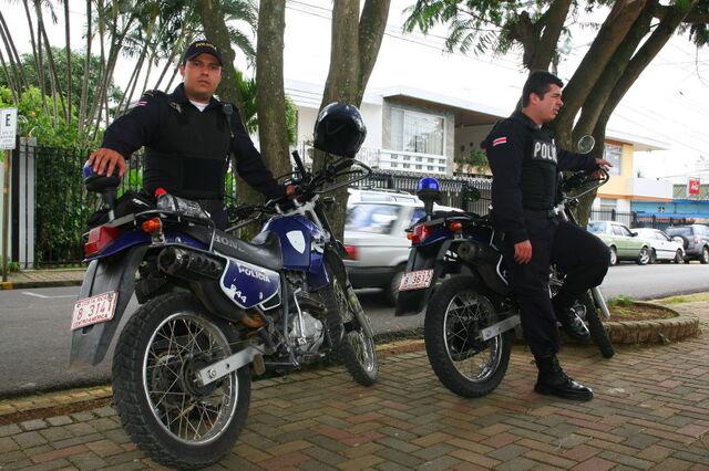 File:CR 9135 Fuerza publica police, Costa Rica.JPG