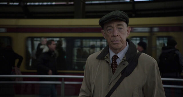 File:JK-Simmons-Howard-Silk-Train-Station-Counterpart-Season-1-Episode-1-The-Crossing.jpg