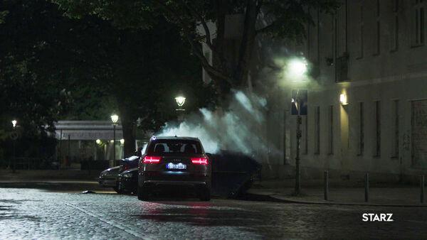 Quayles-SUV-after-crash-Counterpart-STARZ-Season-1-Episode-9-No-Mans-Land