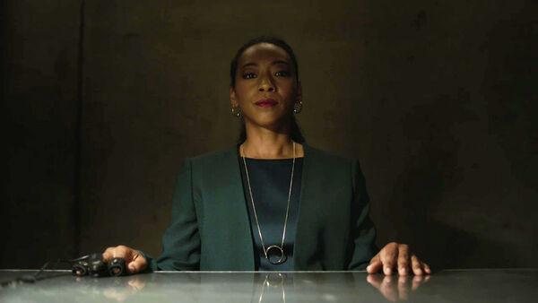Betty-Gabriel-as-Naya-Temple-final-interview--Counterpart-STARZ-Season-2-Episode-01-inside-out