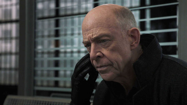 JK-Simmons-D2-Howard-must-stay-Counterpart-STARZ-Season-1-Episode-10-No-Mans-Land