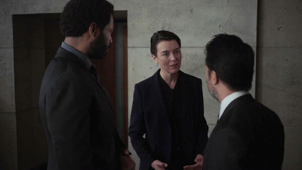 Nicholas-Pinnock-and-Olivia-Williams-Ian-Saw-and-Emily-Silk-Counterpart-Starz-Season-1-Episode-10-no-mans-land
