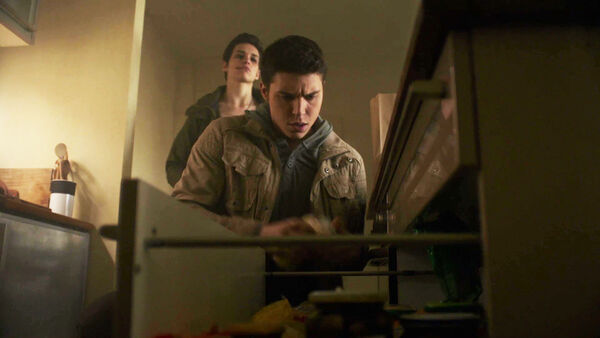 Sara-Serraiocco-Gerard-Nolan-Funk-Baldwin-stalks-Oskar-Wolfe-Counterpart-Starz-Season-1-Episode-8-Love-the-Lie