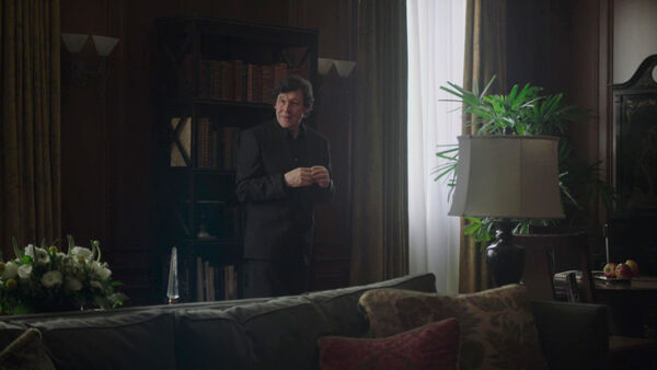 Stephen-Rea-Alexander-Pope-Counterpart-Starz-Season-1-Episode-7-The-Sincerest-Form-of-Flattery