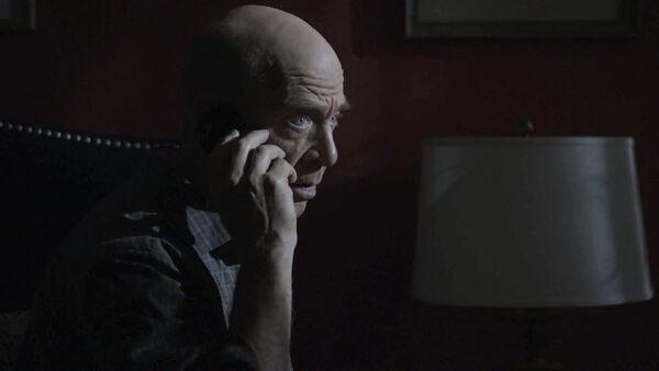 JK-Simmons-D2-Howard-gets-a-warning-Counterpart-STARZ-Season-1-Episode-9-No-Mans-Land