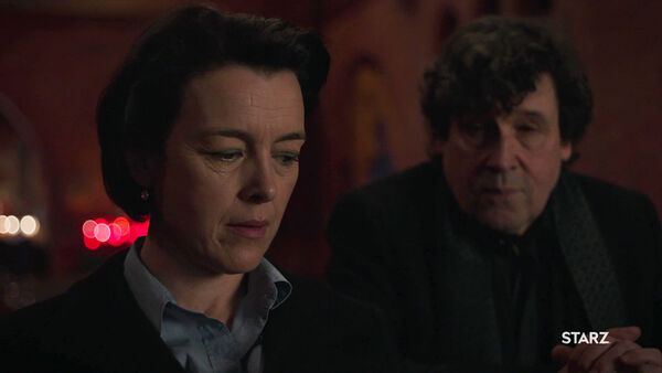 Olivia-Williams-Stephen-Rea-Emily-Silk-meets-with-Pope-Counterpart-Starz-Season-1-Episode-2-Birds-of-a-Feather