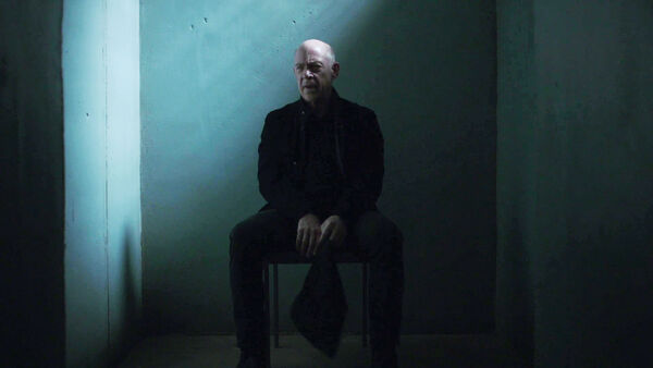 JK-Simmons-D1-Howard-prison-Counterpart-Season-1-Episode-10-No-Mans-Land