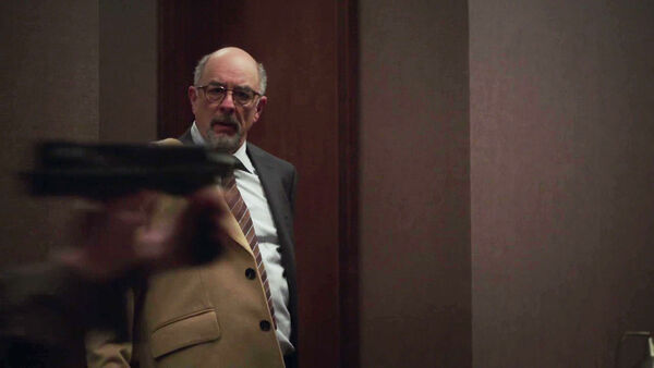 Richard-Schiff-Roland-Fancher-sees-a-weapon-in-Diplomacy-Counterpart-STARZ-Season-1-Episode-9-No-Mans-Land