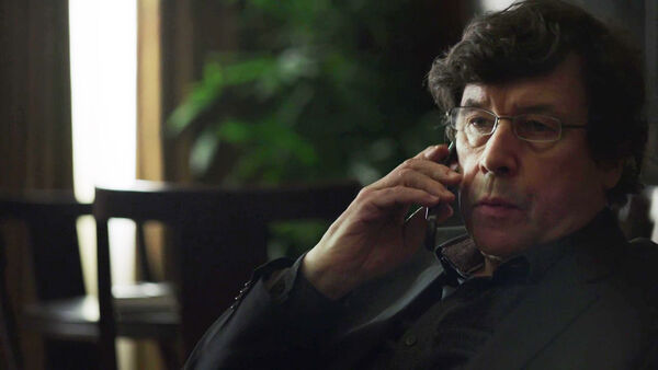 Stephen-Rea-Alexander-Pope-Counterpart-Starz-Season-1-Episode-6-Act-Like-Youve-Been-Here-Before