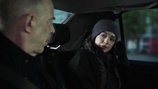 Howard-and-Anna-Burton-Silk-Counterpart-Season-1-Episode-4-Both-Sides-Now