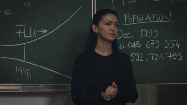 Nazanin-Boniadi-D2-Clare-teaching-at-Indigo-Counterpart-STARZ-Season-1-Episode-7--The-Sincerest-Form-of-Flattery