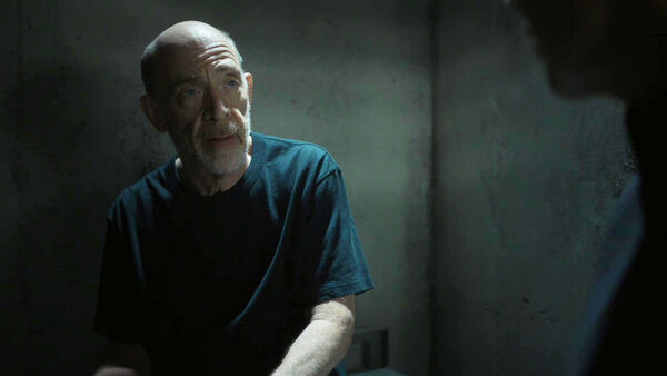 JK-Simmons-D1-Howard-meets-with-D2-Emily-Counterpart-STARZ-Season-2-Episode-02-Outside-In