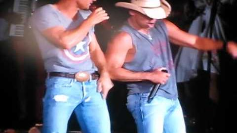 Rockstar Brothers of the Sun tour Kenny Chesney Tim McGraw Dallas Cowboys Stadium 6 9 12