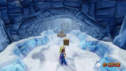 Crash Bandicoot 2 - Snow Biz Platinum Relic-1512774556