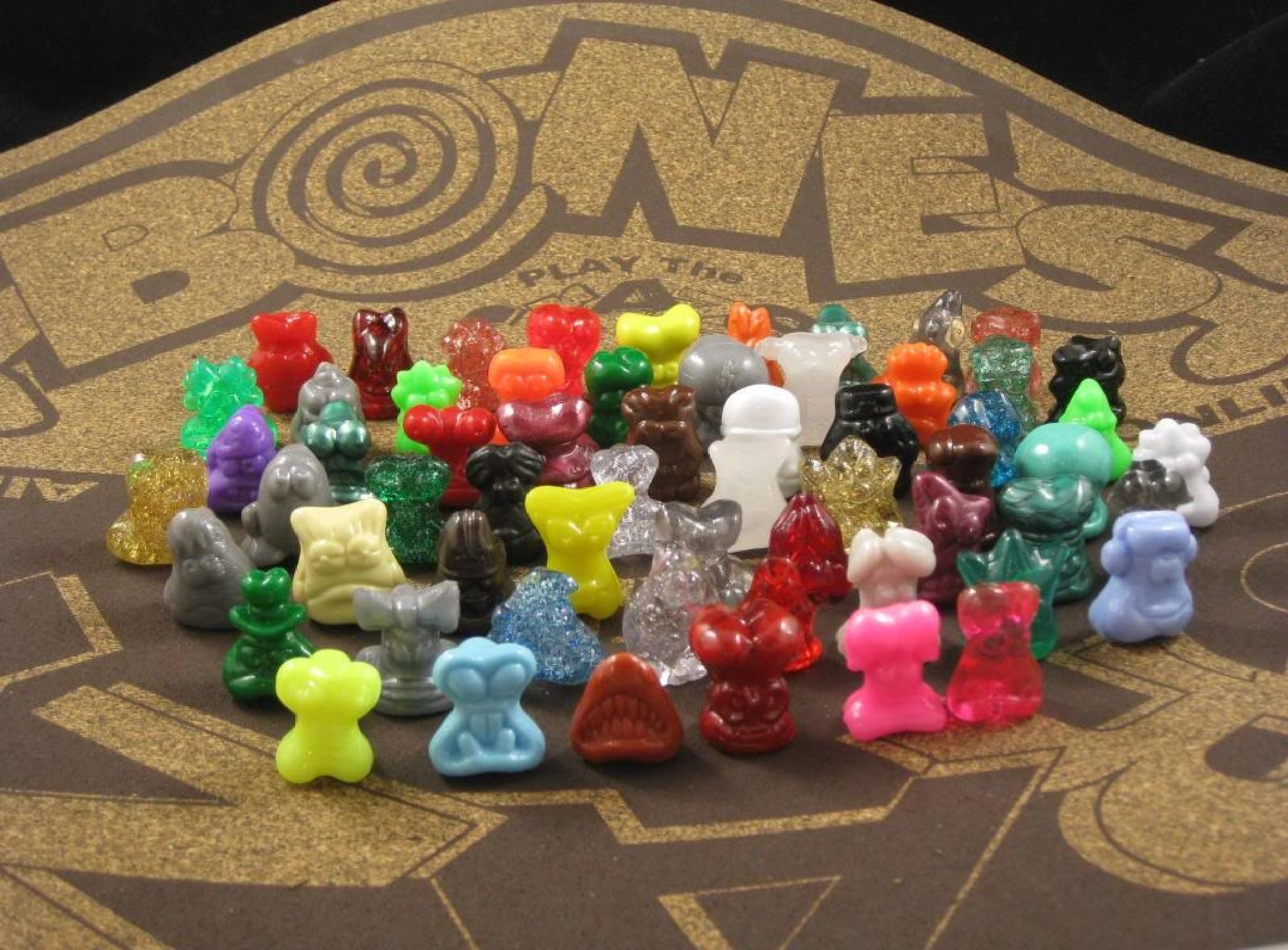 Gogo/'s CRAZY BONES Most Wanted Series  # 44 TREMI with FREE STICKER