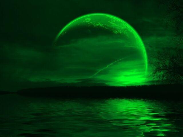 File:Green moon wallpaper r6usi-1-.jpg