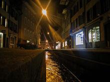 1024px-Aarau bei Nacht Pelzgasse