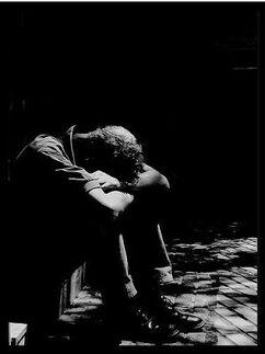 Hombre.llanto.oscuridad