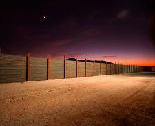 Border-wall-615