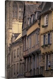 France-brittany-finistere-quimper-old-town-half-timbered-buildings,2201242
