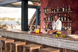 02-sea-view-from-the-bar-hotel-lamu-1