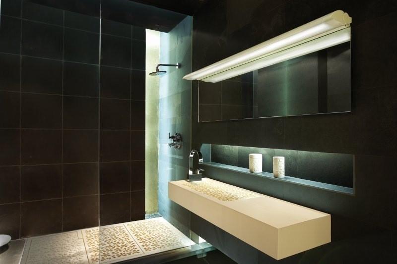 Imagen lampara espejo wiki creepypasta - Focos de espejo de bano ...
