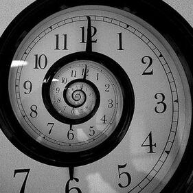 Escucha al Reloj