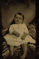 Post-mortem-photography-babies-1-687x1024
