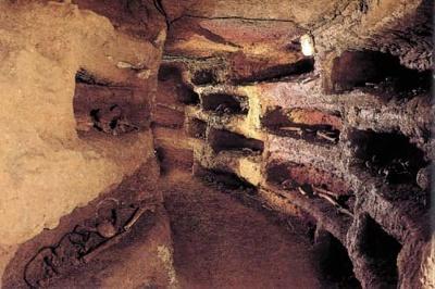 400px-Catacombe-Ro3ma1