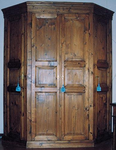 Il mostro nell 39 armadio creepypasta italia wiki fandom - Letto nell armadio ...