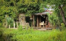 Voodoo-priestess-julia-brown-decimated-a-town-with-a-hurricane-photo-u3